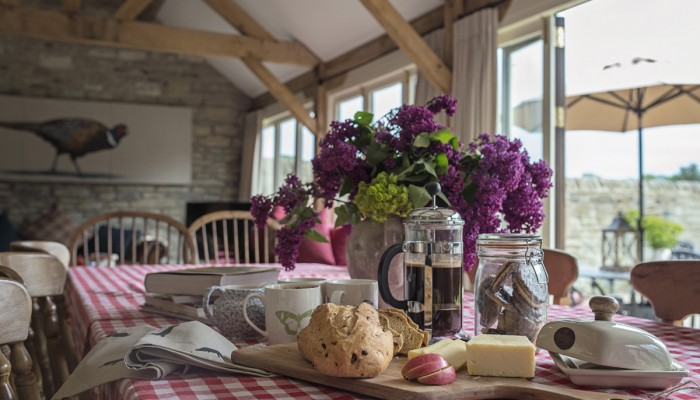 17. The Old Byre Kitchen Tableweb_ready