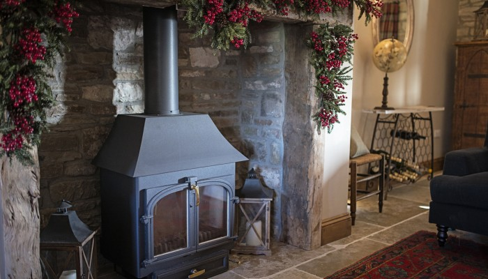 22. The Old Byre Winter Sitting Room Log Burnerweb_ready
