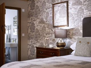 The Hayloft – Bedroom and Ensuite
